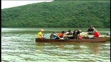 Operação especial busca coibir crimes no Rio Uruguai - Policiais percorrem águas em busca de redes e materiais de pesca ilegal.