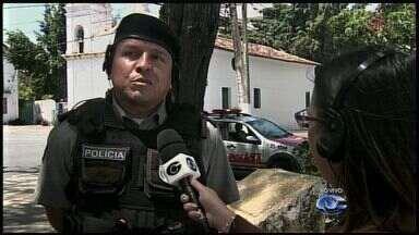 Após ameaça de aluno, direção de escola pede por proteção de rondas policiais - Comandante do Batalhão Escolar, Major Carlos Amorim, comenta o assunto.