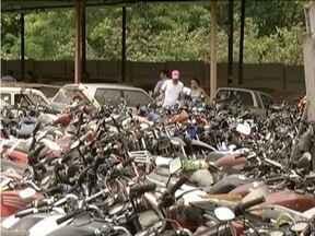 Quase 400 veículos serão leiloados em Timóteo - Pátio já está aberto para visitação.