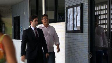 Em juízo, taxista diz que enteado de secretário da SSP tentou fazer assalto - Em juízo, taxista diz que enteado de secretário da SSP tentou fazer assalto.