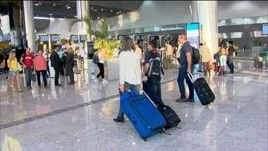 Aumenta a procura por pacotes de férias nacionais e pela hospedagem na casa de parentes - Só sobram menos de 30% dos pacotes para as festas. O Nordeste segue como preferência dos destinos. Diminuiu a procura por viagens de avião.