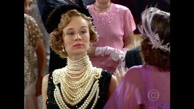 Nem tudo que reluz é ouro! Veja as joias mais cobiçadas da telinha - Vídeo Show reúne os maiores brilhantes da dramaturgia