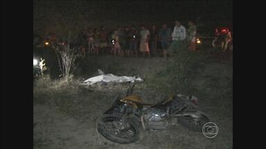 Polícia continua em busca por suspeitos de matar evangélico no Agreste - Crime aconteceu quando vítima seguia de moto entre Riacho das Almas e Caruaru.