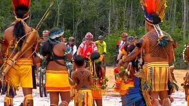 Grupo de ciclistas faz pedalada e conhece indígenas em Campo Novo do Parecis - Grupo de ciclistas faz pedalada em Campo Novo do Parecis.
