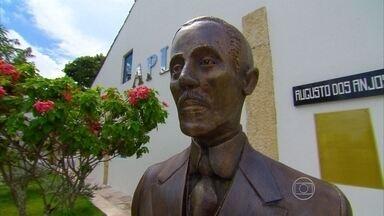 Escritor Augusto dos Anjos é tema da aula de literatura do Projeto Educação - Autor nasceu na Paraíba no início do século 20.