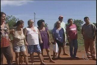 Prazo para famílias desocuparem área em Ituiutaba está próximo do fim - Área do Distrito Industrial Manoel Afonso Cancella deve ser desocupada por determinação da Justiça. Dezenas de famílias prometem resistir à reintegração.