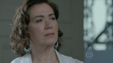 Império - capítulo de sábado, dia 22/11/2014, na íntegra - Marta arma escândalo ao ver Ísis na joalheria Império