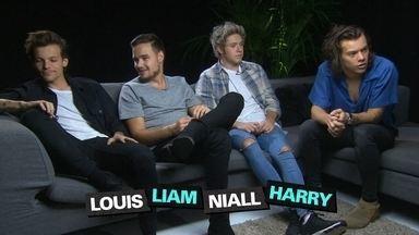 """Exclusivo! Fantástico entrevista o grupo One Direction - Os integrantes da banda mostram os bastidores da gravação do novo videoclipe """"Steal my girl"""". Eles foram considerados os artistas com menos de 30 anos mais ricos da Grã-Bretanha pelo segundo ano seguido. Juntos, eles valem mais de R$ 320 milhões."""