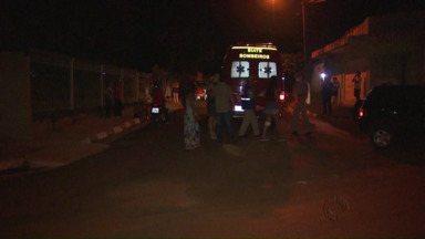 Duas mulheres são atropeladas na Vila C - O motorista estava fazendo uma manobra no veículo e não teria visto as duas mulheres.