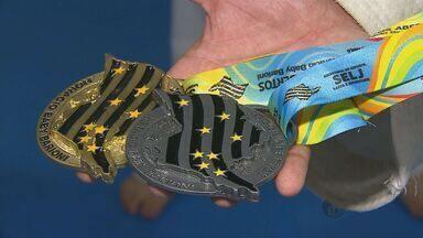 Atletas de São Carlos, SP, ganham cinco medalhas no karatê dos Jogos Abertos - Atletas de São Carlos, SP, ganham cinco medalhas no karatê dos Jogos Abertos.