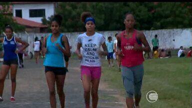 Três meninas do atletismo vão disputar competições dentro e fora do país ainda este ano - Três meninas do atletismo vão disputar competições dentro e fora do país ainda este ano