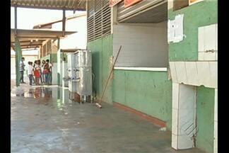 Uma das escolas mais antigas de Redenção, no sul do Pará, precisa de reforma - Os alunos apontam vários problemas na estrutura do prédio, principalmente nas instalações elétricas.