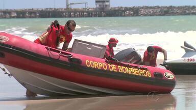 Família acompanha busca por jovem que desapareceu na Praia do Sobral - Kleiton Alves, 17, teria pulado do emissário submarino.