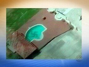 Piloto registra piscina com suástica no Vale do Itajaí - Piloto registra piscina com suástica no Vale do Itajaí