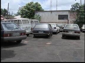 Veículos irregulares deixam de ser apreendidos por falta de pátio - As cidades de Pirapozinho e Iepê enfrentam o mesmo problema.