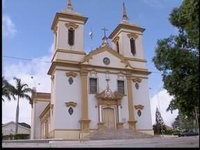 'Minha cidade, meu canto' mostra como vivem os moradores de Santo Anastácio - Mesmo felizes, eles esperam que o município tenham mais desenvolvimento econômico.
