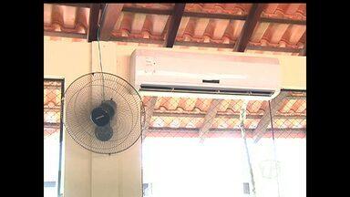 'JT no bairro' mostra problema em reforma de escola municipal de Santarém - Escola possui centrais de ar, mas que não funcionam.