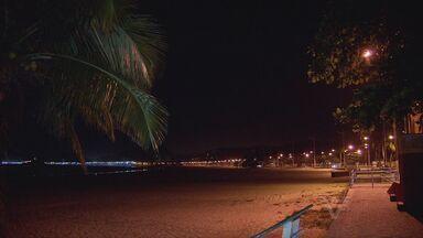 Trecho da praia da Enseada preocupa moradores do Guarujá - Com a aproximação da temporada mostram preocupação e insegurança com a falta de iluminação