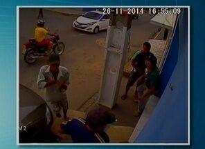 Roubo à casa lotérica em Bezerros é registrado por câmeras de circuito de segurança - A partir das imagens, Polícia Civil está em busca dos bandidos.