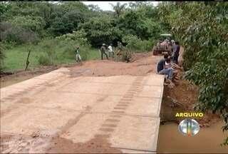 Bombeiros resgatam corpo de homem que se afogou próximo ao povoada de Pedra Preta - Ele estava desaparecido desde segunda-feira (1).