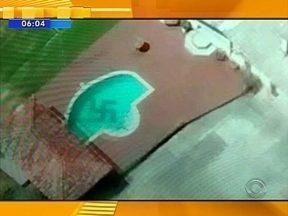 Piloto flagra suástica em piscina em Pomerode; Confira giro de notícias desta quinta (04) - Piloto flagra suástica em piscina em Pomerode; Confira giro de notícias desta quinta (04)