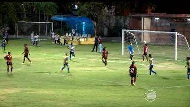 Letícia faz três, e Abelhas ficam muito próximas do título - Em jogaço de dez gols, volante lidera virada eletrizante da equipe de Picos no primeiro jogo da final da Copa Piauí Feminina contra 7 a 3 pro Fla-PI.