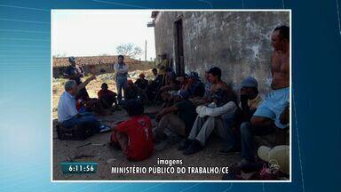 Trabalhadores são resgatados em fazenda no município de Groaíras, no interior do CE - Segundo o Ministério Público, eles estavam vivendo sob condições subumanas.