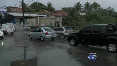 Confira informações sobre a chuva e o trânsito em Maceió - Reporter Marcos Rolemberg traz mais detalhes sobre o assunto.