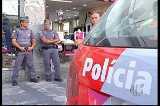 """Polícia militar dá início à """"Operação Natal"""" nas cidades do Alto Tietê - Objetivo da ação é prevenir furtos e roubos de pessoas e no comércio nesta época de fim de ano."""