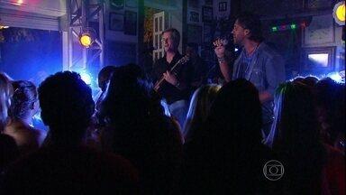 Relembre participação de Victor e Léo em Malhação - Dupla soltou a voz para o elenco da trama