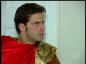 Bell expulsa Estevão de casa - Leona fica indignada com a situação