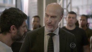 Heideguer critica a atitude dos mestres durante exame técnico - Lobão e Gael discutem na frente dos lutadores. Jade questiona Cobra