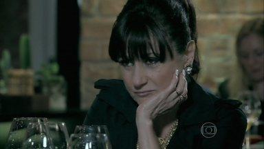 Magnólia deseja o mal de Maria Isis - Enquanto isso, ninfeta sofre depois de discussão com José Alfredo