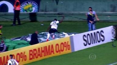 """Top 5 Bizarros! Relembre os lances mais """"esquisitos"""" do Brasileirão 2014 - Furadas, gols contra e muita coisa engraçada no Campeonato Brasileiro."""
