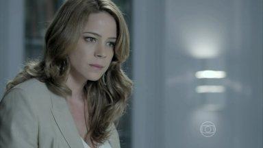 Cris e Clara armam barraco na Império - Irmãs se ofendem e Cristina humilha Clara