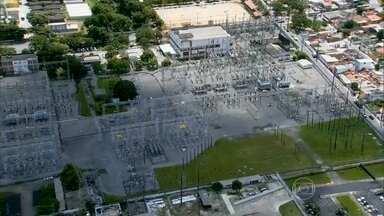 Recife sofre as consequências de apagão - O curto-circuito afetou a Região Metropolitana do Recife, na noite de quarta-feira (17). Na manhã desta quinta, alguns bairros ainda não tinham luz e os trens não estavam circulando em cinco estações de uma das linhas do metrô.