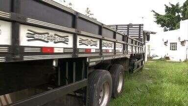 Em Ladário, polícia devolve caminhão para dono que fez anúncio falso na internet - A polícia já sabe que duas pessoas estão envolvidas no caso. O dono viajou até a cidade para buscar o veículo