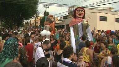 Natal em Ribeirão Preto tem clima de Carnaval - O bloco Os Alegrões agita os foliões no fim de semana.