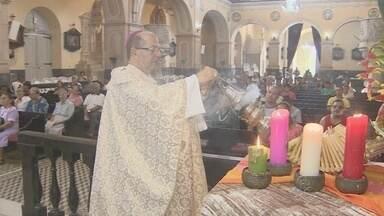 Missa reúne fiéis na celebração do Natal em Manaus - Celebração foi realizada na manhã desta quinta-feira na Catedral Metropolitana.