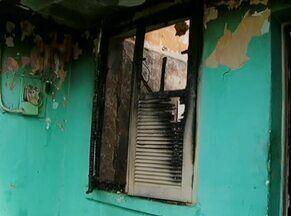 Idoso morre em incêndio na cidade de Serra Talhada, no Sertão de Pernambuco - Fogo atingiu todos os cômodos de residência; corpo estava na sala.