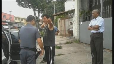 Cantor sertanejo Renner se envolve em acidente e é detido pela polícia em São Paulo - Renner dirigia um carro, que bateu na traseira de outro veículo que estava estacionado na rua. Dentro do veículo, tinha bebida alcoólica. Esta não é a primeira vez que o cantor se envolve em um acidente.