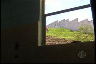 Polícia procura por suspeitos de invadir uma creche em Mogi das Cruzes - A creche foi furtada no feriado de Natal.