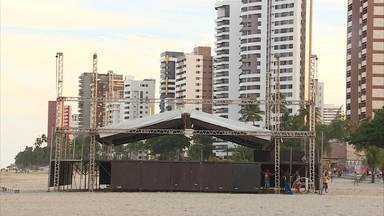 Cidades do Grande Recife esperam receber 90 mil turistas para o Réveillon - Preparativos já começaram na praia de Candeias, em Jaboatão.