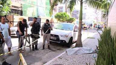 Turista é morto a tiros no bairro da Ponta Verde, em Maceió - Segundo a polícia, a vítima, que era policial Militar no interior da Bahia, teria reagido a assalto.