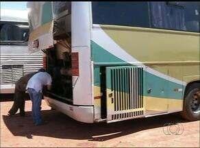 Ônibus quebra e passageiros do Tocantins ficam parados cerca de 24 horas em estrada - Ônibus quebra e passageiros do Tocantins ficam parados cerca de 24 horas em estrada
