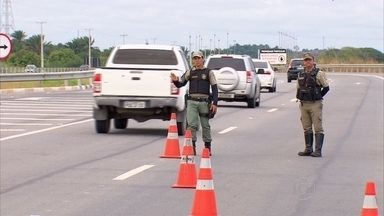 PRF dá dicas para quem vai pegar a estrada neste fim de ano - Confira entrevista do inspetor Elisson Bezerra.