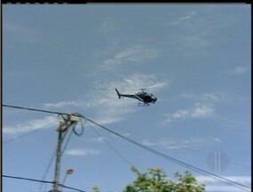 Homem apontado como chefe do tráfico é preso em Rio das Ostras, RJ - Operação contou com o apoio de um helicóptero.