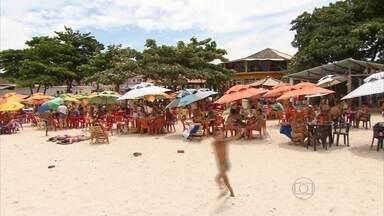 Itamaracá tem praia agitada de um lado e calma de outro - Destino é um dos mais procurados em Pernambuco pelos turistas.