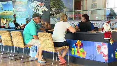 Especialista dá dicas de economia para viagem de férias - André Tavares dá dicas de economia para viagem de férias.