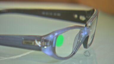 Moradores recebem óculos doados através de instituto em Cuiabá - Moradores recebem óculos doados através de instituto em Cuiabá